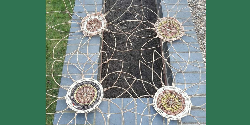 Willow Weaving Giant Sunflower Workshop for adults