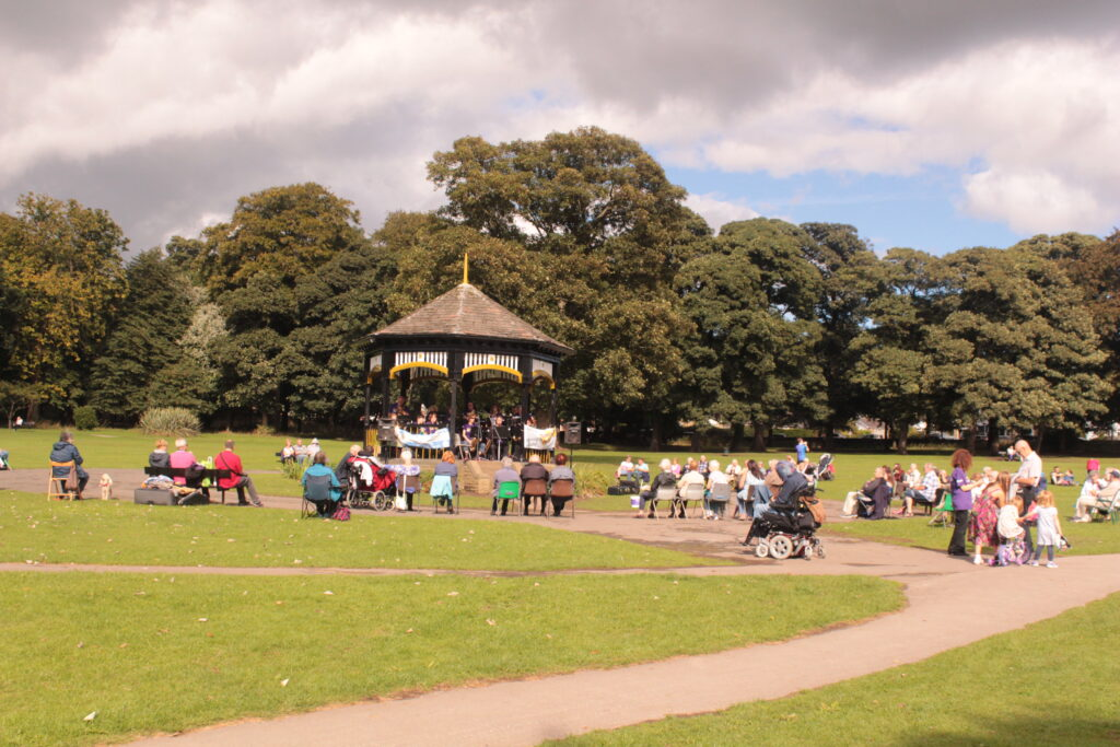 Guiseley Brass Band – Horsforth Hall Park