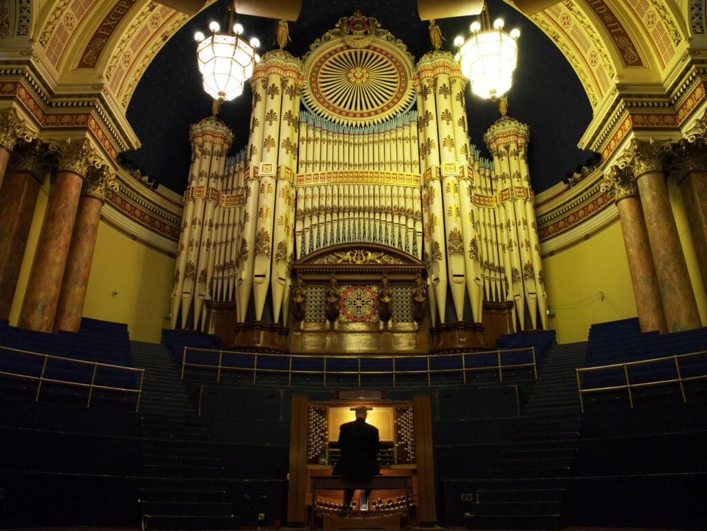 Professor Ian Tracey | Leeds Lunchtime Organ Music